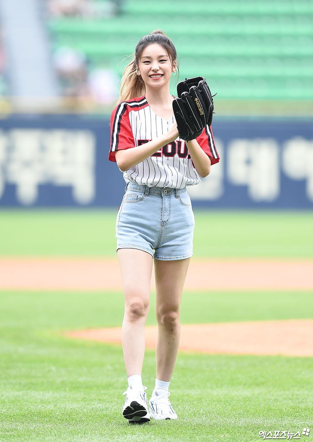 femaleidolsbaseball_6a
