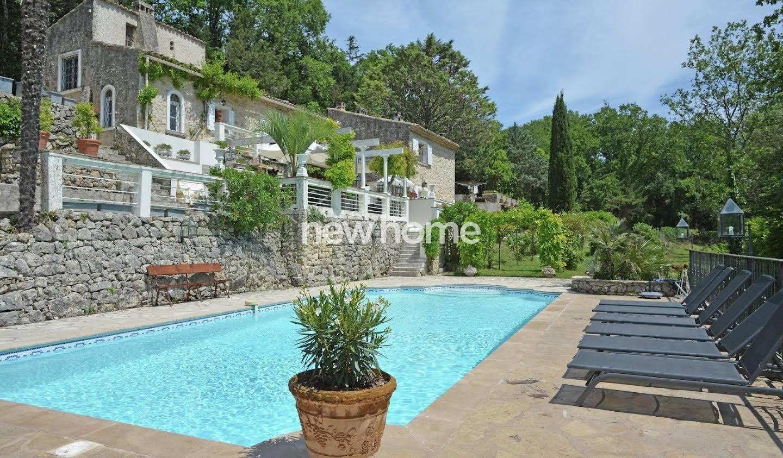 Maison avec piscine Saint-Paul-en-Forêt
