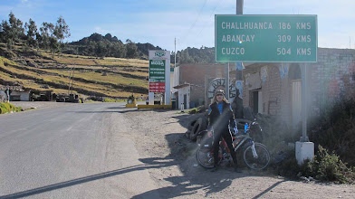 Photo: Salida de Puquio / Distancias a ciclar Nazca-Cusco en bici 30-Jun. al 07-Jul. (2012)