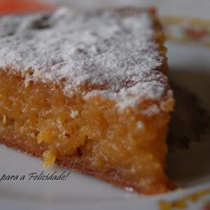 """""""Toucinho do Céu"""" (Egg yolk, almond and sugar cake)"""