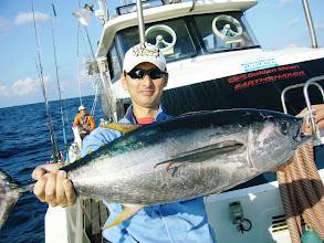 Photo: よし! ナガイシさん キハダキャッチ!10kgでした!