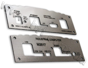 Photo: Приборная панель для компьютера из серебристого двуслойного пластика (серебро матовое/черный)