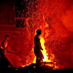Man on Fire by Arup Acharjee - News & Events World Events ( hindu, cremation, varanasi, india, manikarnika ghat )