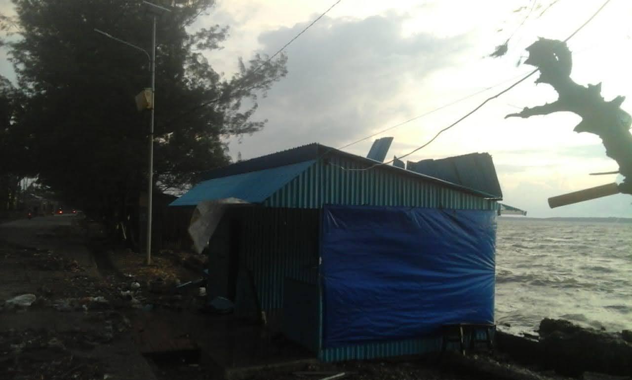 Dikepung Bencana Ini Yang Dilakukan Tim Relawan Peka dan Peduli Bencana Selayar