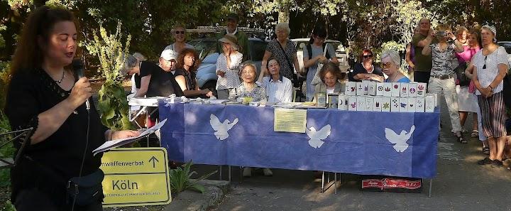 Teilnehmerinnen der Gedenkfeier.