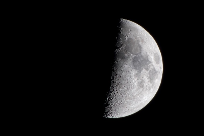 9p moon 3 e c.jpg