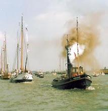 Photo: De recordpoging tijdens Sail Amsterdam in 1990