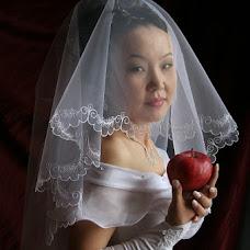 Wedding photographer Yuriy Markanov (MRK049). Photo of 04.04.2013