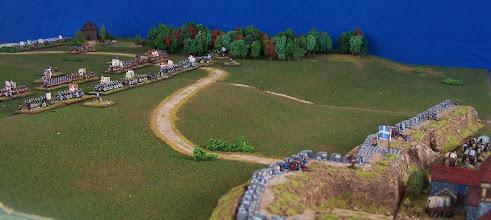 Photo: Il campo di battaglia, in primo piano le mura di Quebec.Miniature Baccus, materiale scenico TimeCast e autocostruito.