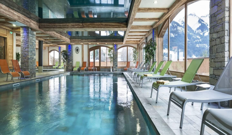 Appartement avec piscine Chatel