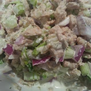 Fishless Tuna Salad (Vegan).