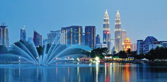 Hoàn thành các bước gửi hàng đi Malaysia tại công ty Quý Nam