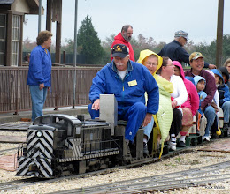 Photo: Peter Bryan, just starting up, leaving the station in the cold and wet.   HALS Run Day 2009-1121