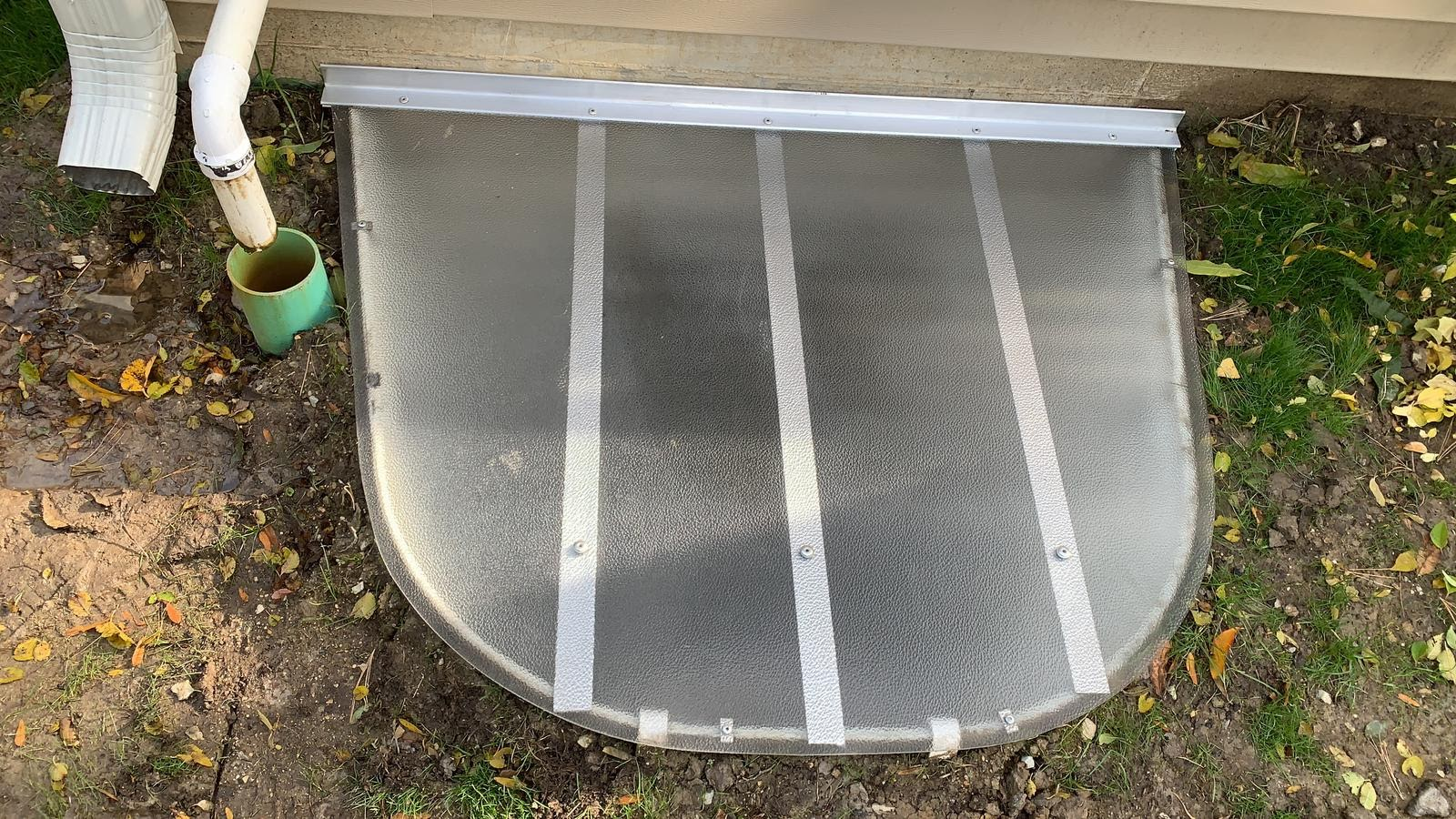 Wilmington, IL-HandyManny Custom Window Well Covers