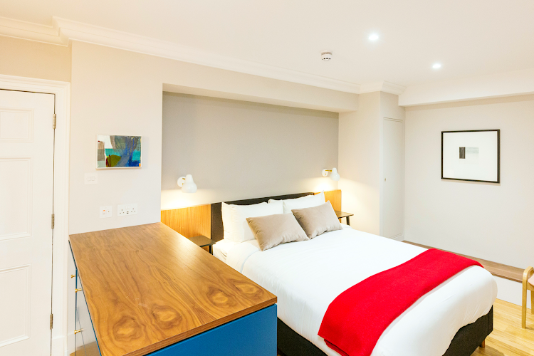 Open plan bedroom at St Swithin's - Sandeman House