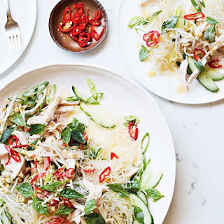 Healthy, Paleo Kelp Noodles With Poached Chicken And Miso.