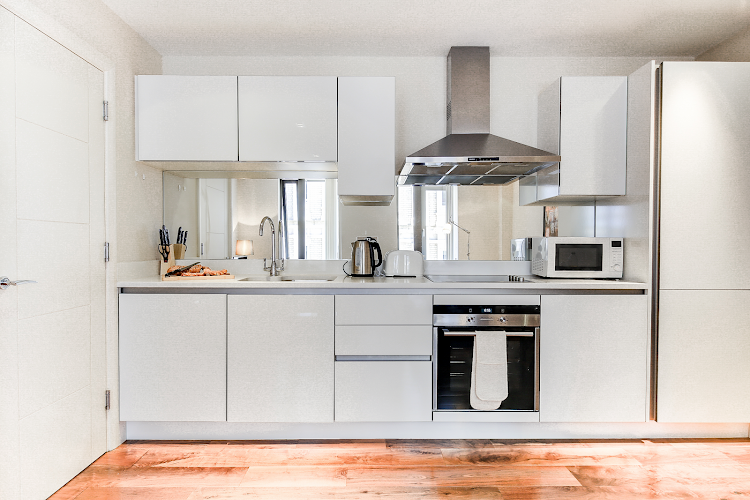 Fully equipped kitchen at Aston House Serviced Apartments, Farringdon