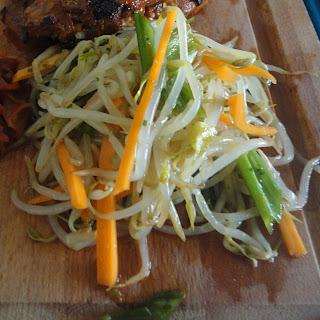 Sukjunamul (Korean Beansprout Salad)