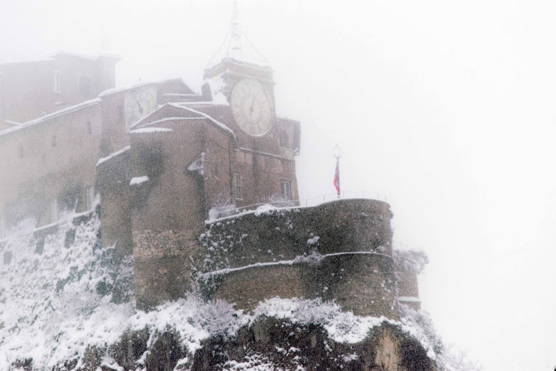 Il borgo non vedeva l'ora .....! e la neve venne giù....! di Bobp