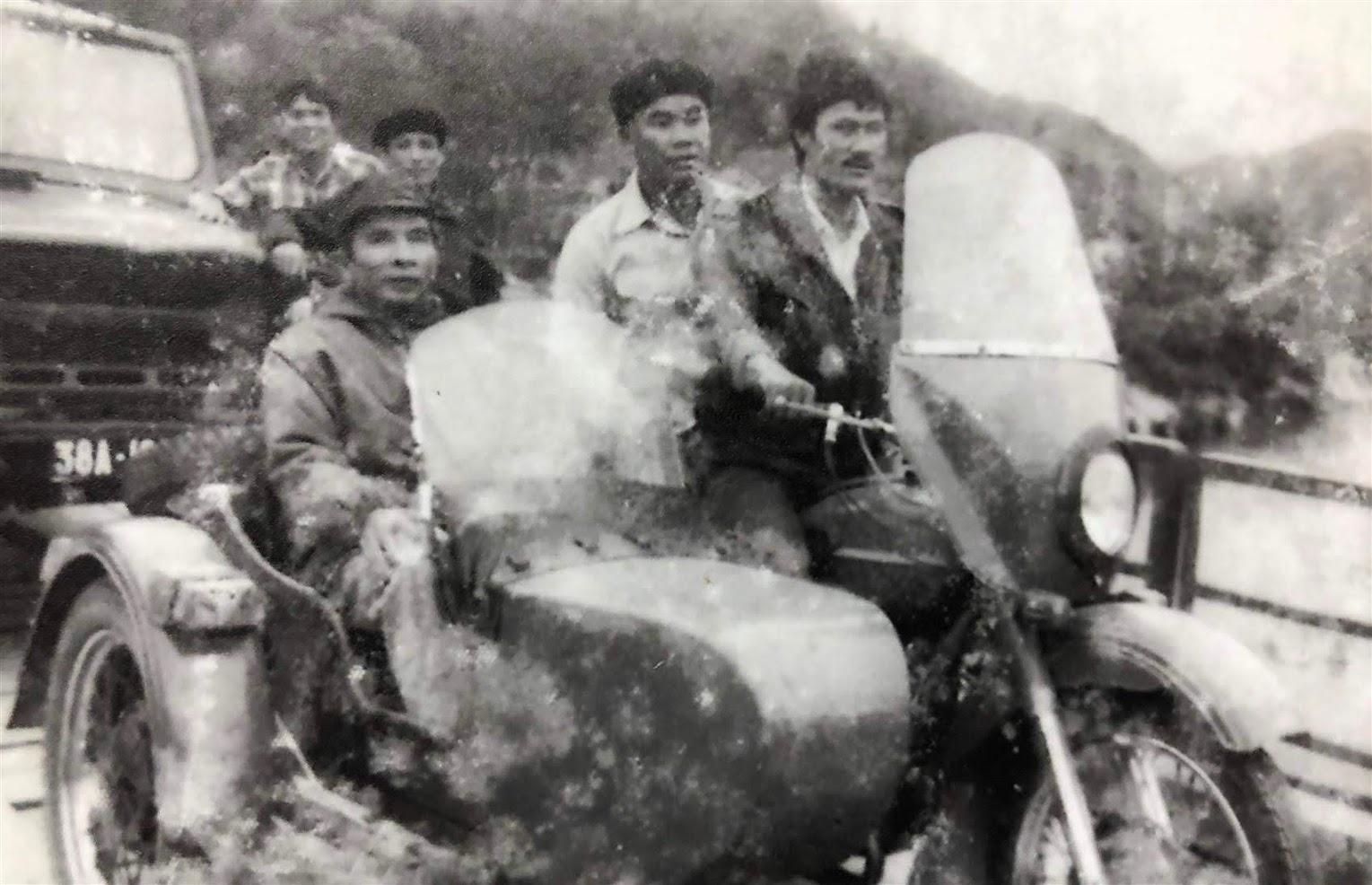 Thiếu tướng Lê Văn Khiêu đi kiểm tra công tác bảo đảm ANTT - Ảnh: Tư liệu
