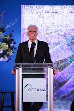 Photo: Ted Danson speaks about need to protect dolphins (c)Oceana/Ryan Miller