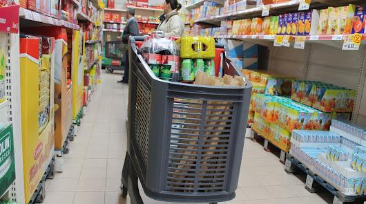 Los productos del supermercado es recomendable desinfectarlos.
