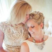 К чему снится дочь в свадебном платье?