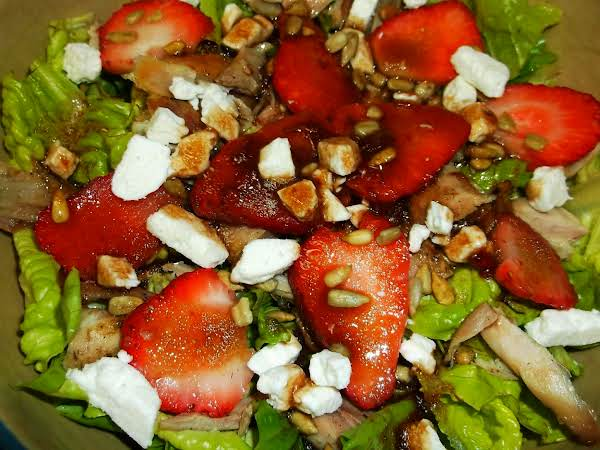 Strawberry, Chicken & Lettuce Salad Recipe