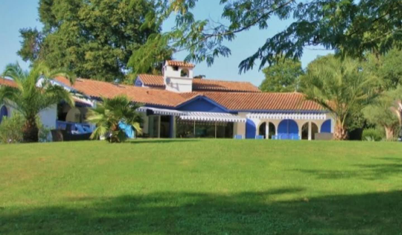 Maison contemporaine avec piscine et jardin Hossegor