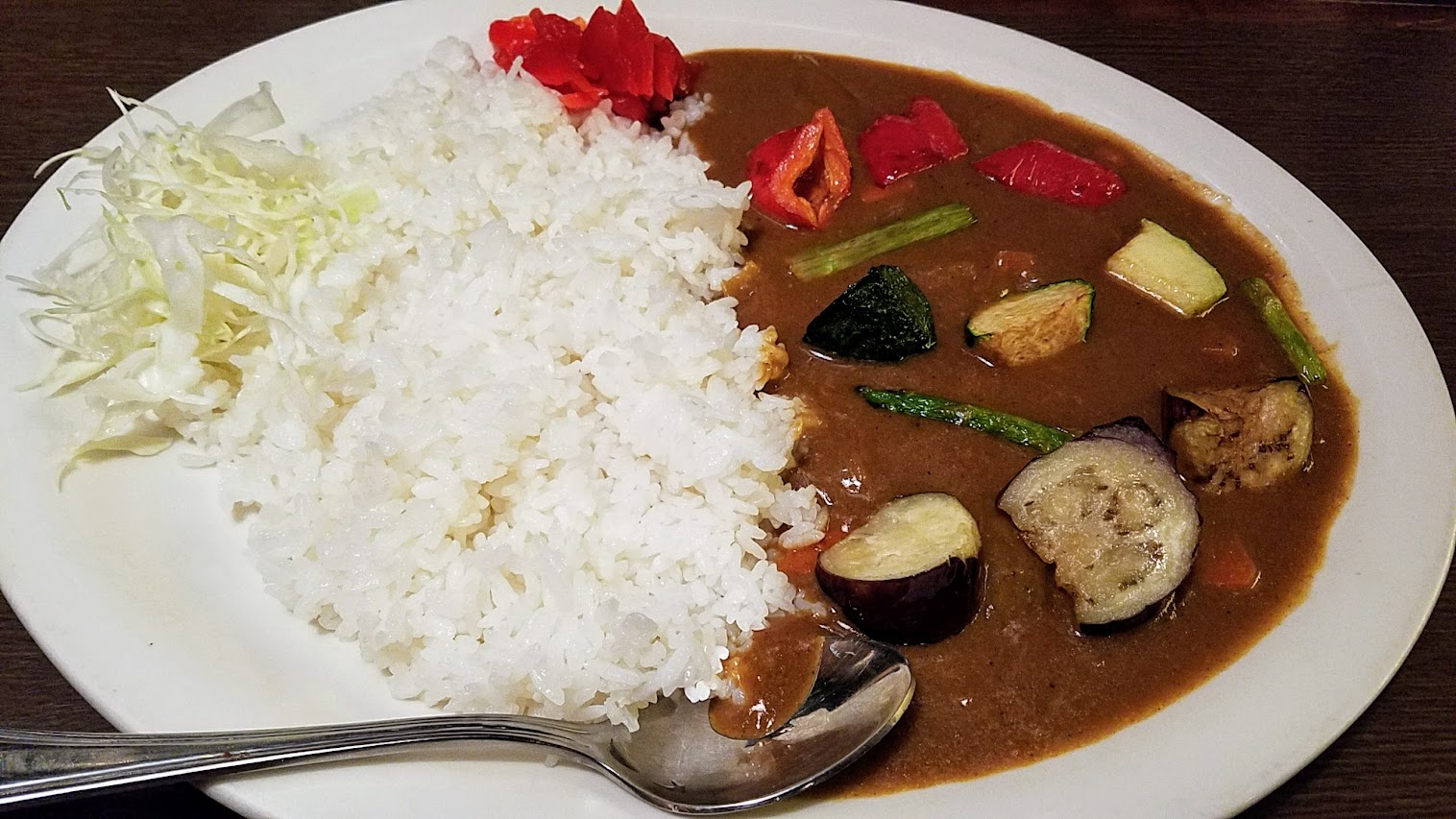 Often Japanese curries have meat, but at Shigezo they also have a Vegetable Curry that is vegan with eggplant, zucchini, bell peppers, asparagus, carrots, and onion in mild brown curry with shredded cabbage over rice.