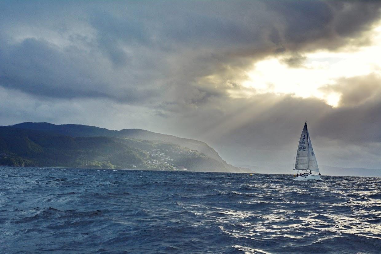 45-days-nomadic-biking-img18-boat-water