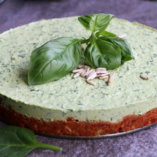 Raw Spinach Cheesecake with Sundried Tomato and Sunflower Seed Crust Recipe