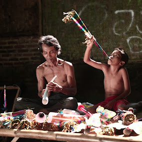 making new year trumpet by Jaya Prakash - Babies & Children Children Candids