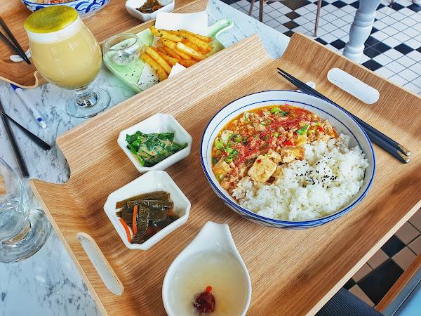 空間設計舒服,食物簡單健康,是姐妹們下午茶好地方