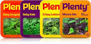Tutte le 4 confezioni del nuovo packaging pensato per il rebranding di Plenty: Baby Argula; Baby Kale; Crispy Lettuce e Mizuna Mix. Fonte: agenzia &Walsh's