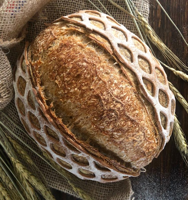 il pane col vestito di annalisa_malara