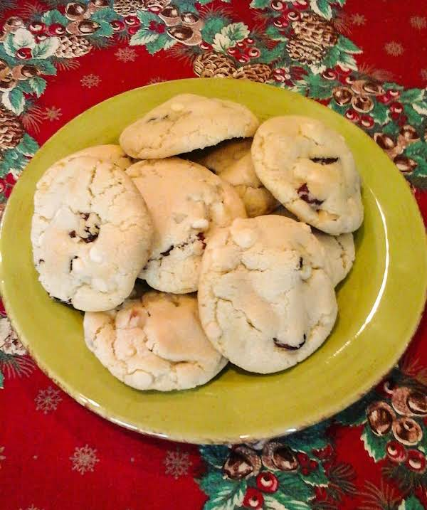 Cranberry Macadamia Chip Cookies Recipe