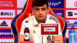 El joven futbolista de la Selección Española.