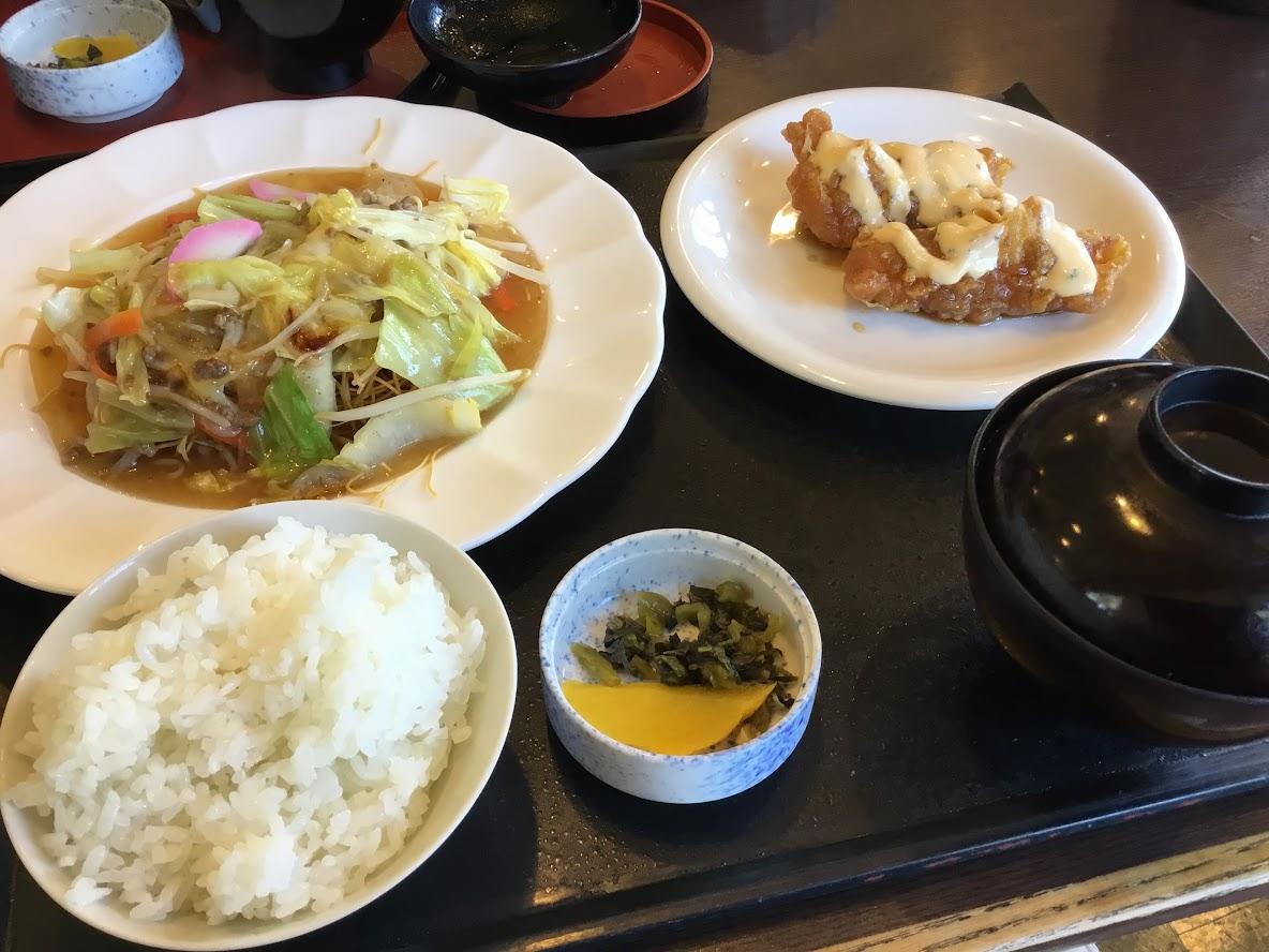 おおさかやは、昔ながらのレストラン。店内は広くてくつろげます。ランチ、とても美味しかった。昭和を感じます