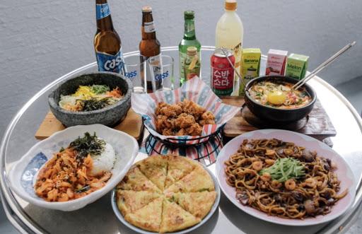 非常道地的韓式料理 店內裝潢風格走輕工業風 跟朋友聊天聚會的好去處 喜歡喝酒的朋友注意囉! 晚上還有生啤酒第二杯半價!!!