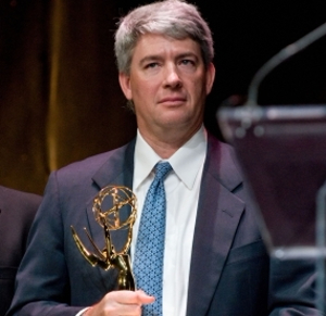 Mark Sweeney mit Emmy Award