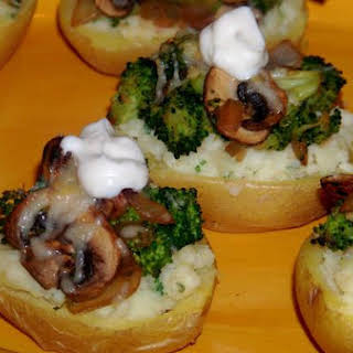 Knock Your Socks Off Stuffed Potatoes With Broccoli and Mushrooms.