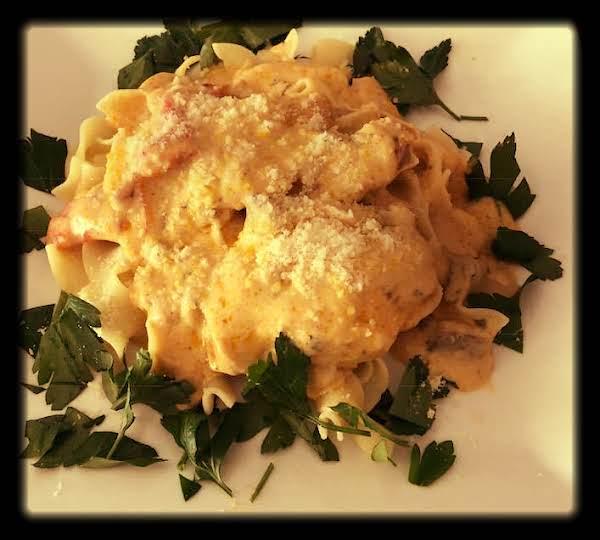 Crock Pot Creamy Cheesy Chicken Pasta Recipe