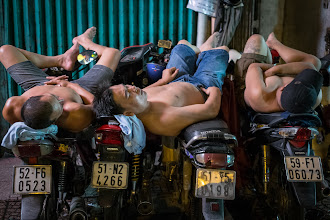Photo: One lens to rule them all.  http://mitchellmasilun.com/2013/11/16/one-lens-to-rule-them-all-day-5365/  #vietnam  #vietnamtravel  #vietnamphotography  #street  #streetphotography  #streetpics +Sleepy Saturday curated by +Andrea Martinez +Gemma Costa #SleepySaturday+Street Life Saturdays curated by +Dave Ortiz+Urban Snap curated by +Sam Breach +Kristine Ward #UrbanSnap
