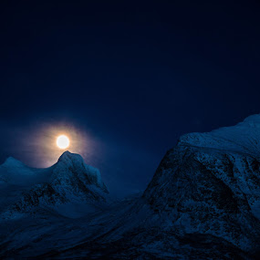 The moon in Seven sisters by Trond Svendsen - Landscapes Mountains & Hills ( #mountain, #helgeland, #winter, #visitnorway, #sevensisters, #moon )