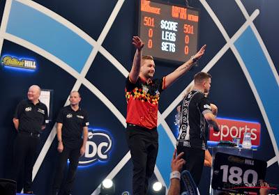 Dancing Dimi op één been naar 3e ronde op WK darts