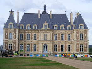 Photo: This is in fact not the château of Colbert's time, which was destroyed following the French revolution. The present one (smaller than the original) was built in 1856-62 by the Duc de Trévise.