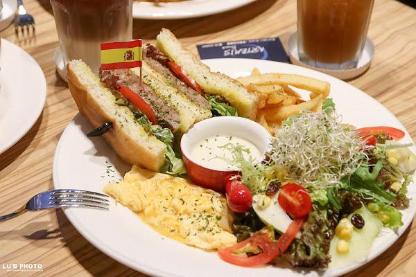 Artemis Brunch /安緹米思輕工業風複合式餐飲!聚餐吧!早午餐,火鍋,輕食多樣選擇,輕鬆滿足舌尖上味蕾。 小北路 台南聚餐 -台南永康