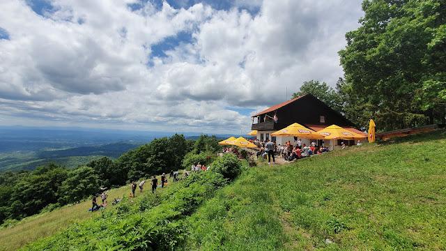 Planinarski dom Žitnica na Japetiću