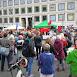 180517 Menschen versammeln sich zur Abschlusskundgebung am Stuttgarter Rathaus.jpg